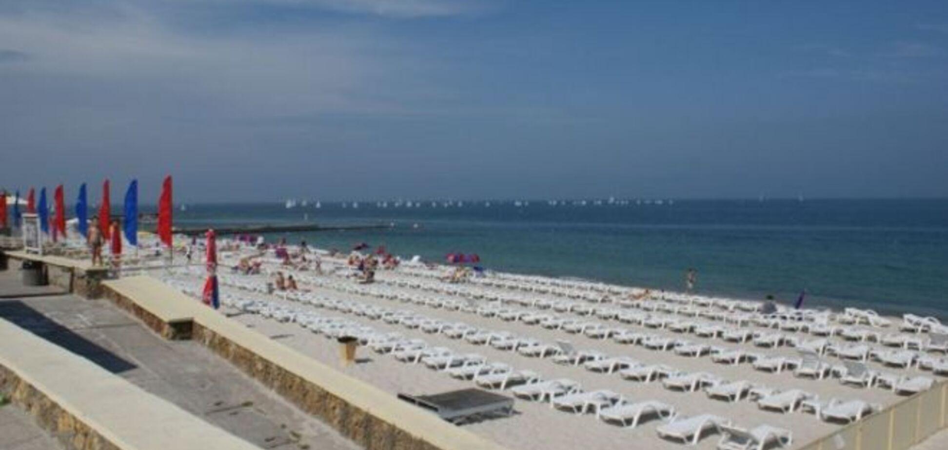 Одесситы ломают незаконно построенные сооружения, чтобы добраться до пляжей