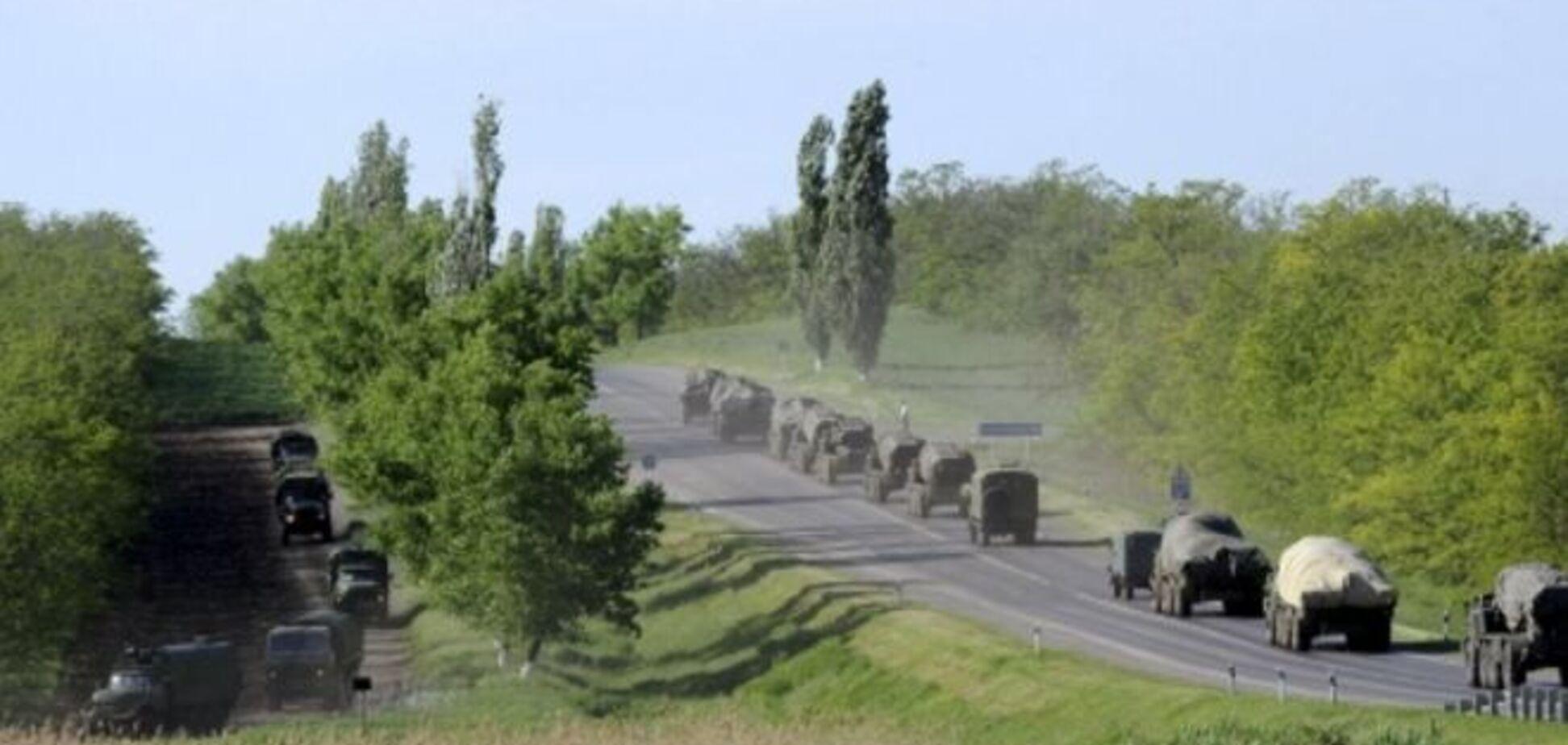 Огромная колонна российской военной техники направилась к границе Украины: фотофакт