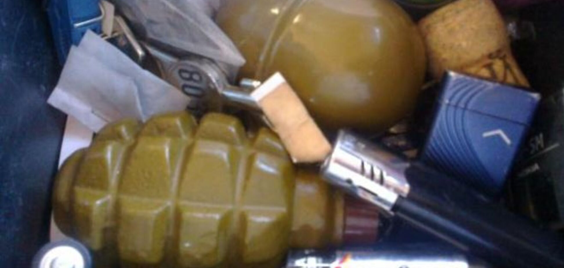 На Киевщине гаишники обнаружили в джипе гранаты