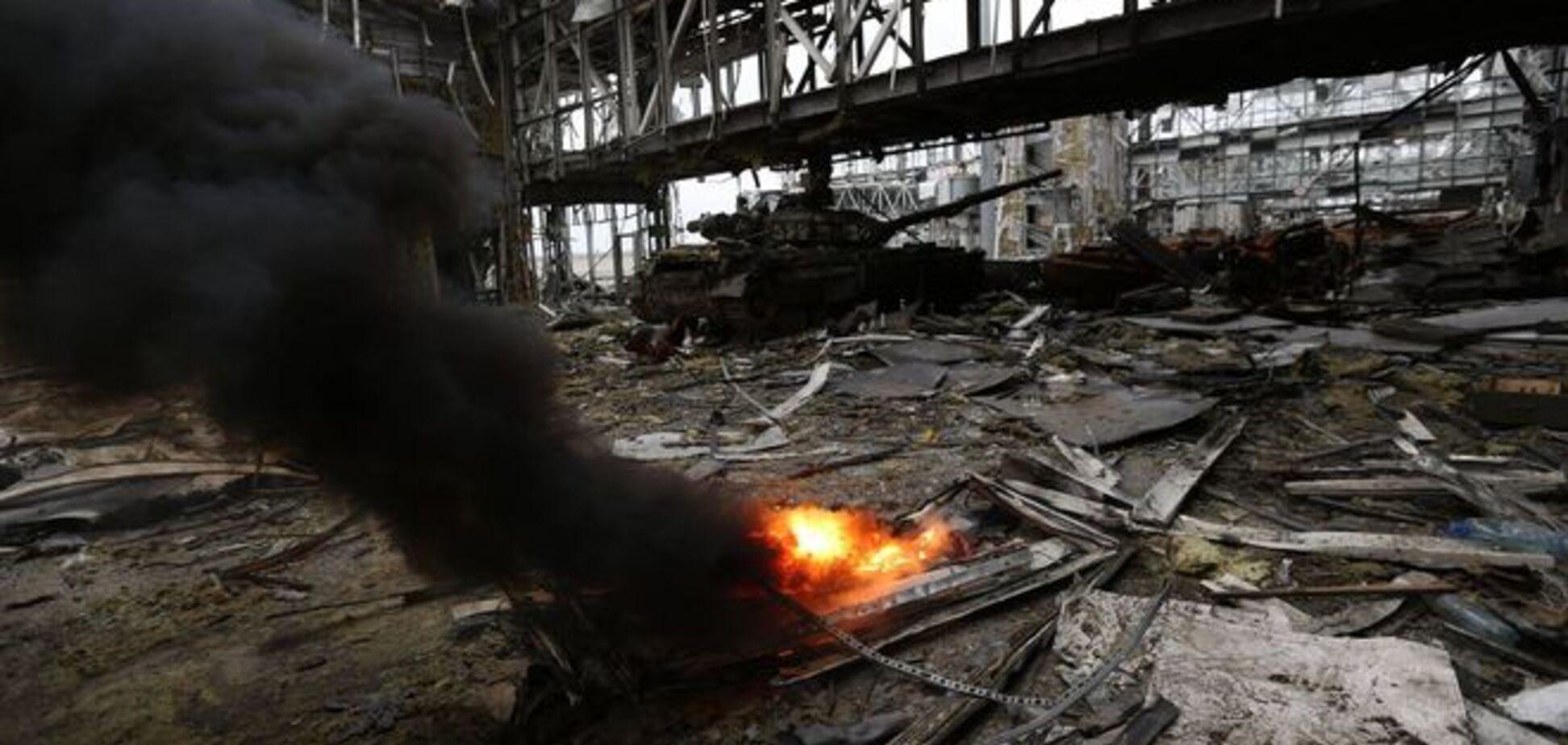 В день рождения Путина террористы штурмовали донецкий аэропорт как зомби - киборг
