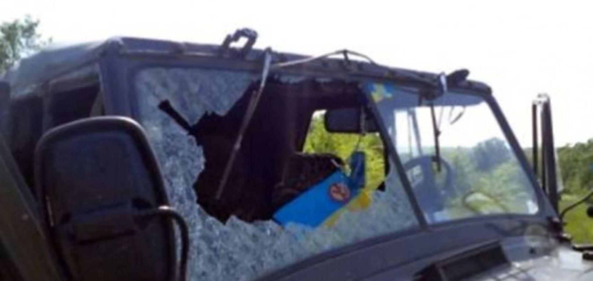 Авто контролерів припинення вогню знову обстріляли на Донбасі: фотофакт