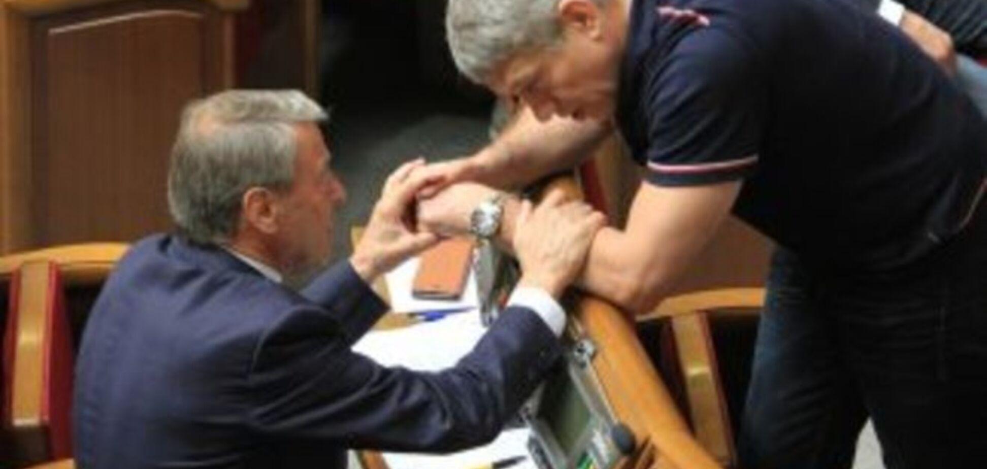 Нардеп от Блока Порошенко носит часы почти за полмиллиона. Фотофакт