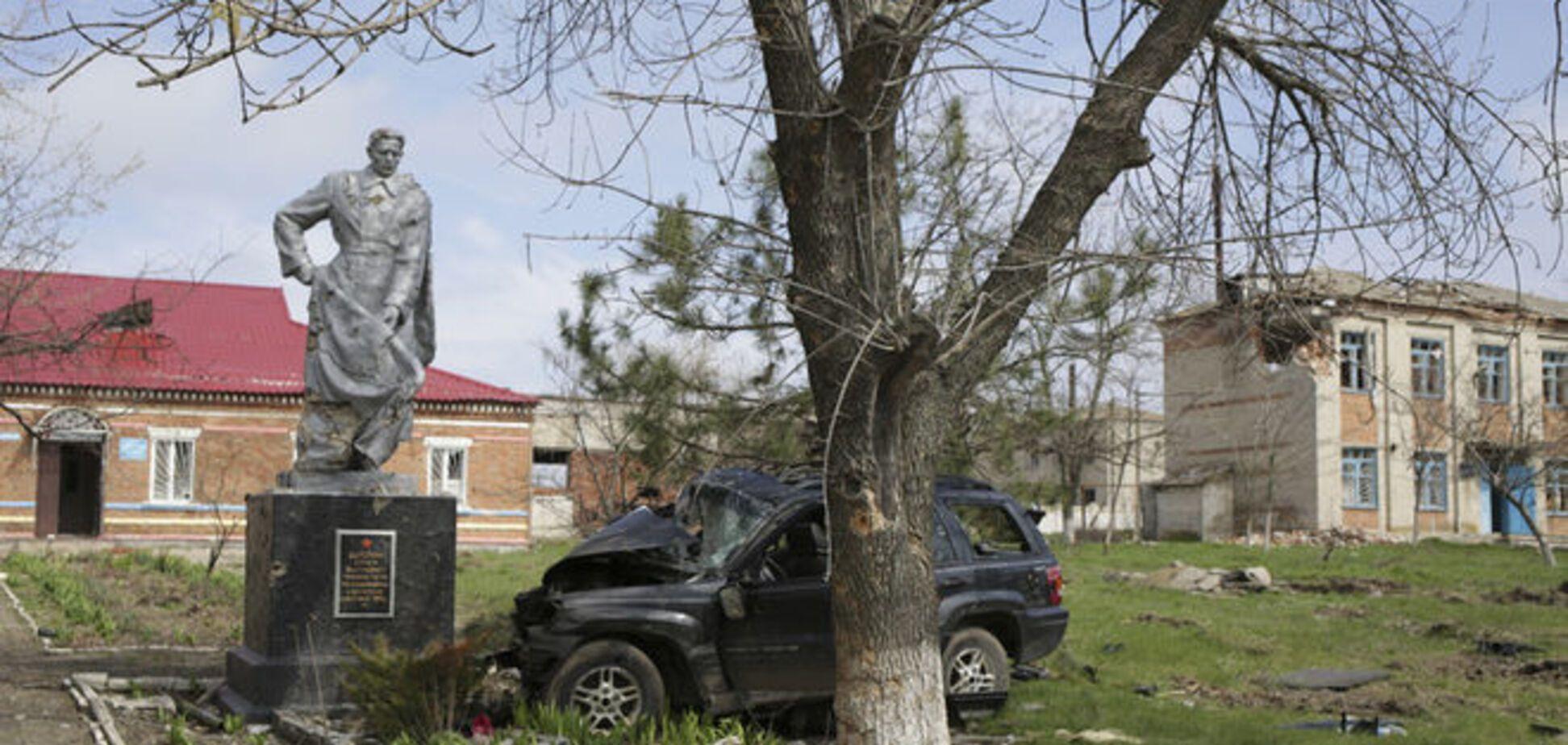 Через обстріл терористів знеструмлена половина Луганської області