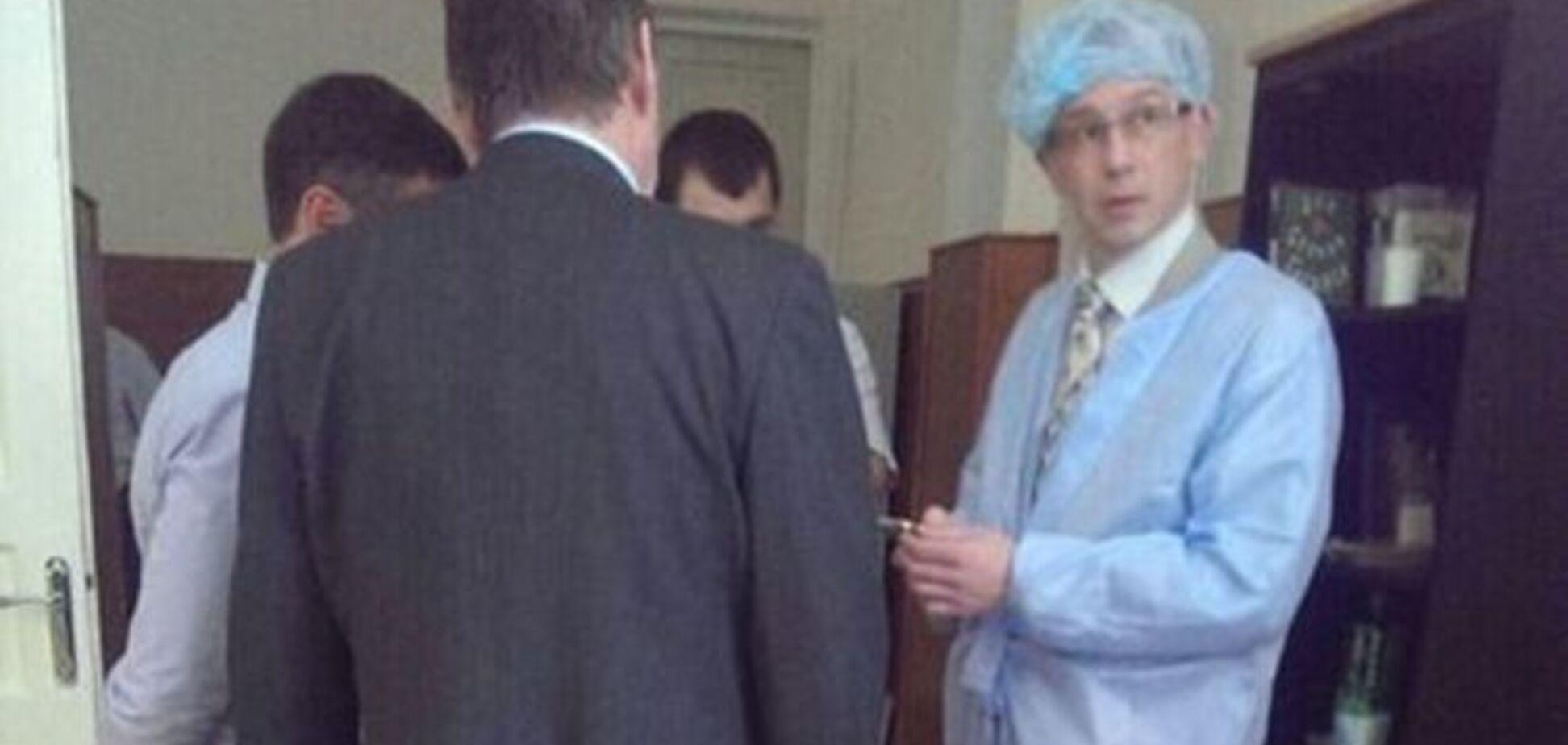 Российский консул пропал после встречи с арестованными ГРУшниками