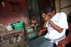 В Африке вирусом Эбола уже заражены 26 тыс. человек