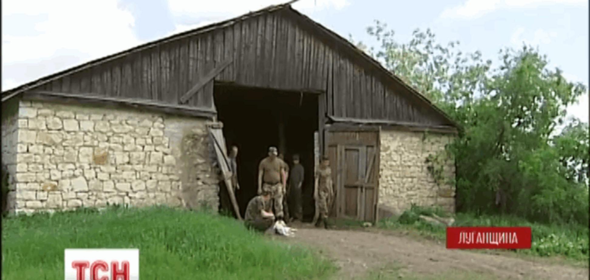 Командование 'забыло' танковую бригаду в хлеву на Луганщине: видеофакт
