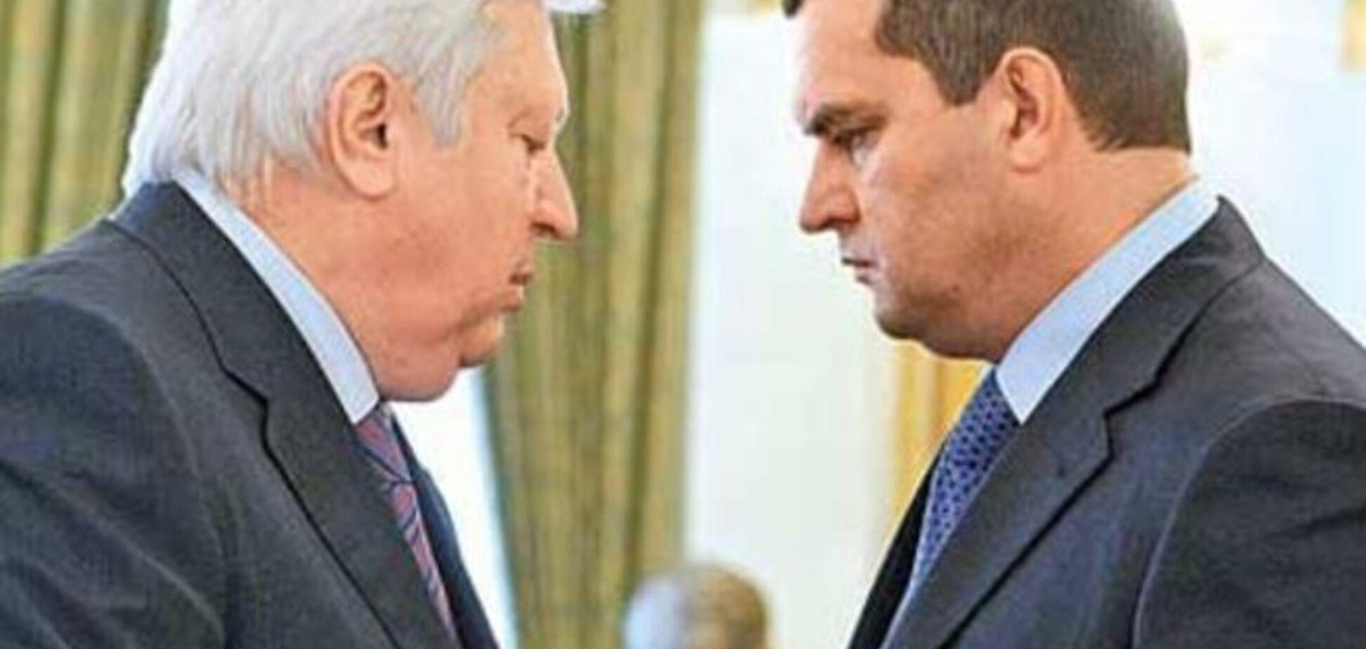 Интерпол отказался объявлять Пшонку и Захарченко в международный розыск