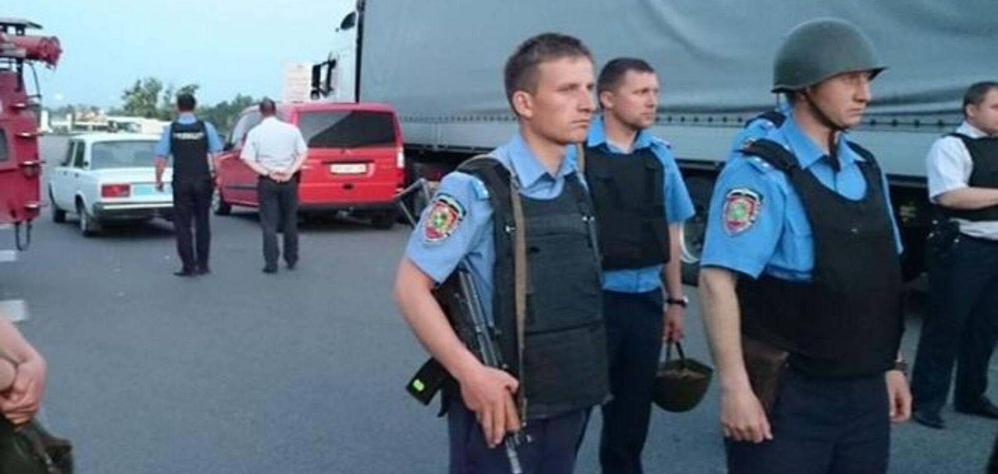 В центре Харькова в водосточной трубе нашли гранату: видеофакт