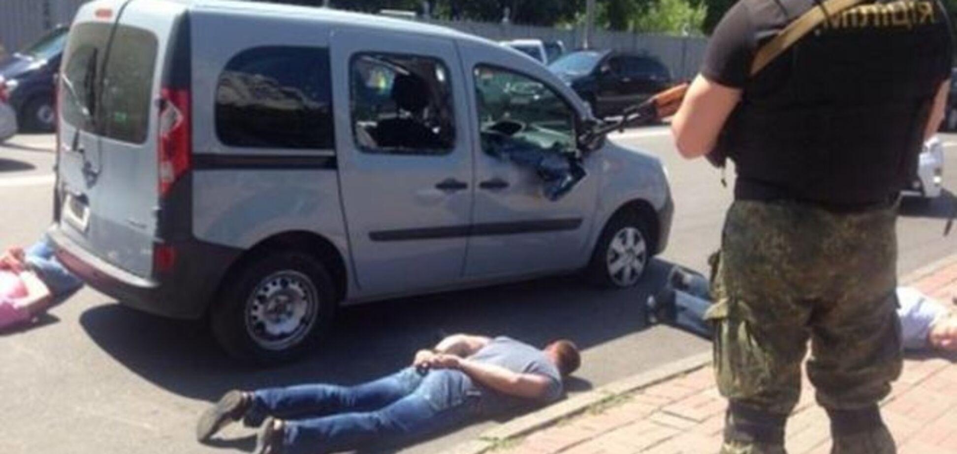 Урок казнокрадам! Аваков рассказал, как с оружием брали 'конверт' на 1,5 млрд