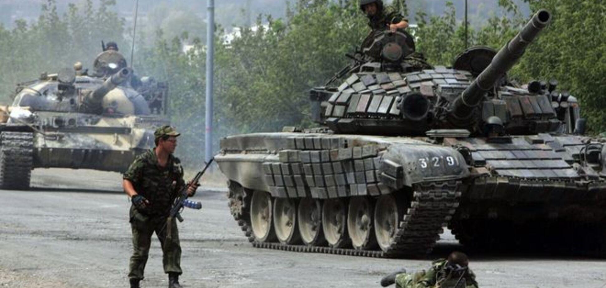 На Донбассе вновь обстреляны позиции сил АТО, террористы применяют танки