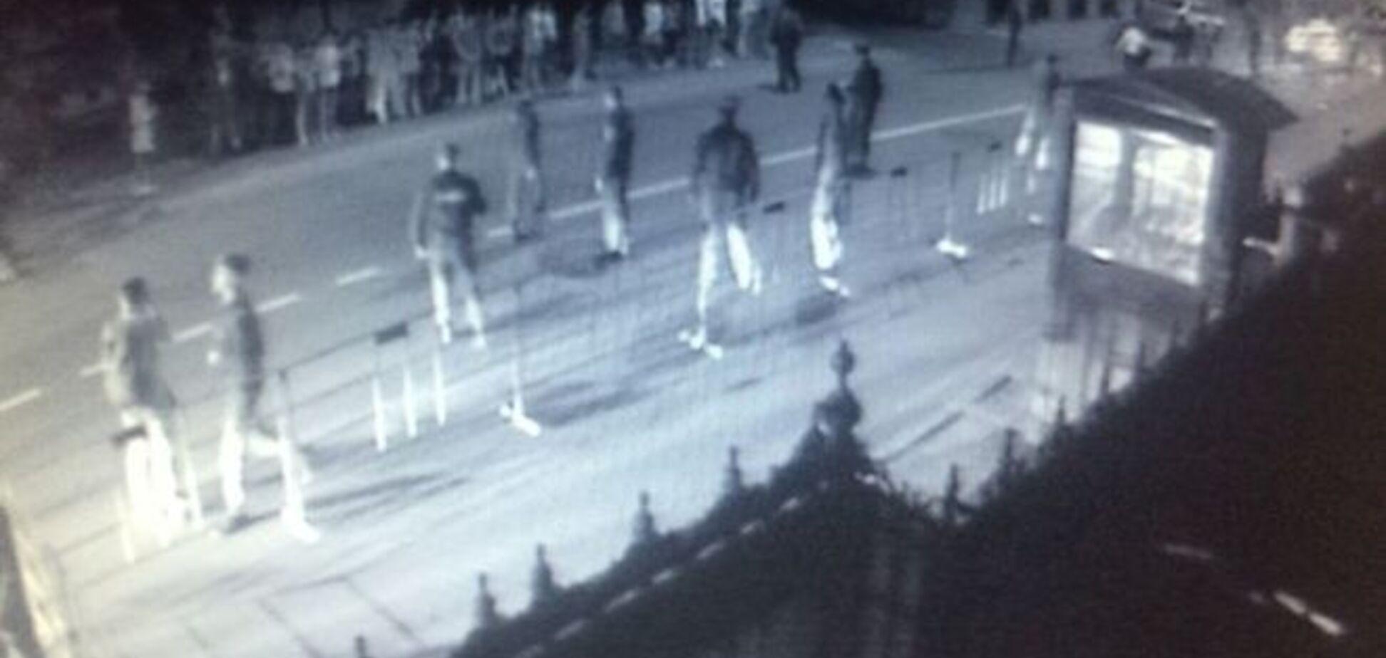 Беззубая ответка: в Москве молодчики кидали яйца в посольство Украины, но промахнулись