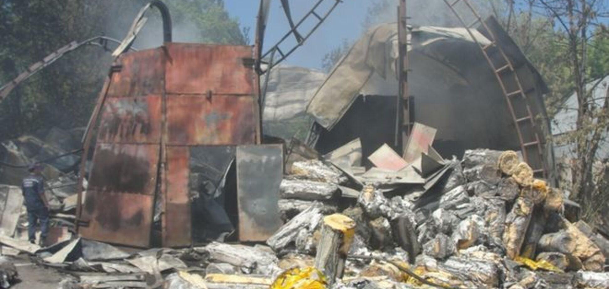 Пожар на складе в Броварах: фото и видео с места события