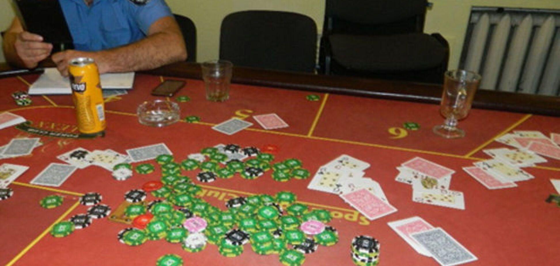 В Киеве подпольное казино обнаружили в магазине 'Продукты'