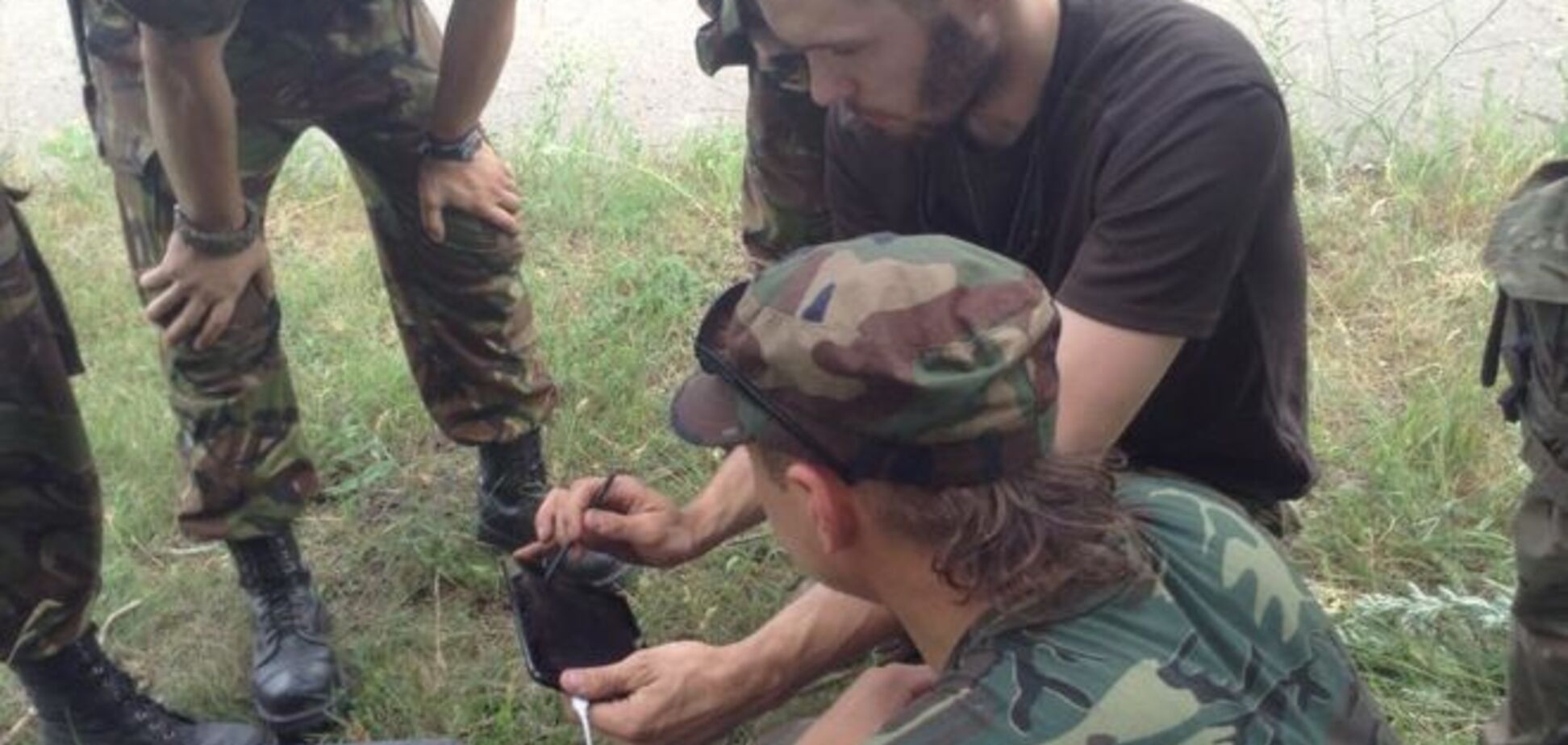 'В поисках жареных снегирей!' Бойцы АТО получили разведывательный коптер: фотофакт