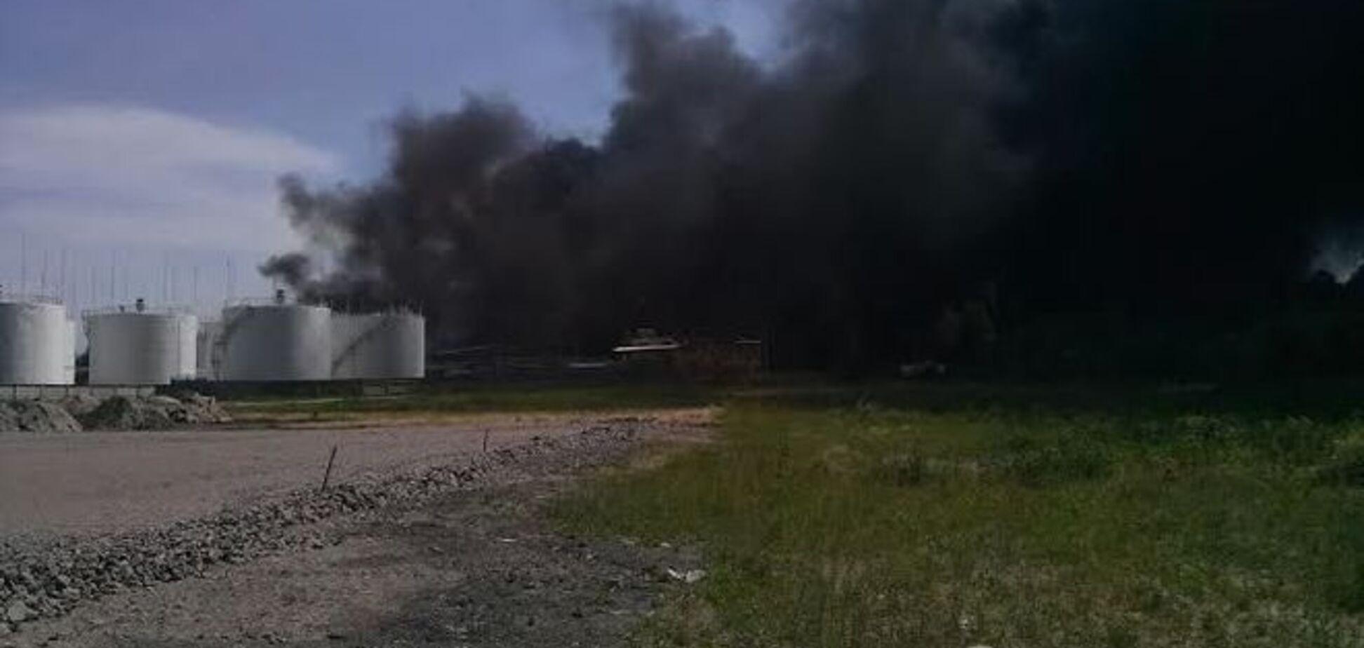 Тушение пожара в Василькове пришлось временно приостановить