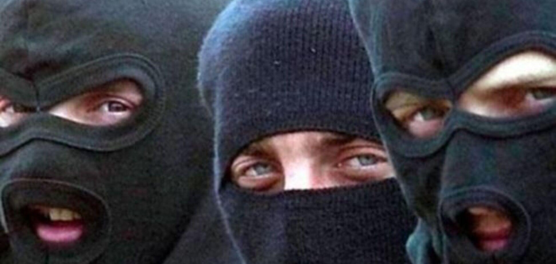 В Киеве неизвестные похитили мужчину и вывезли его на остров