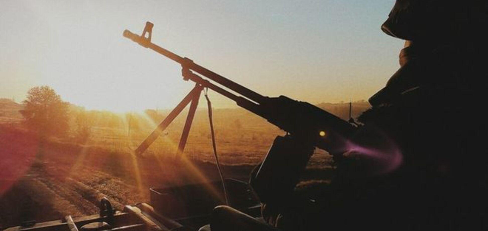 'Азов' опубликовал подборку 'романтичных' фото с фронта