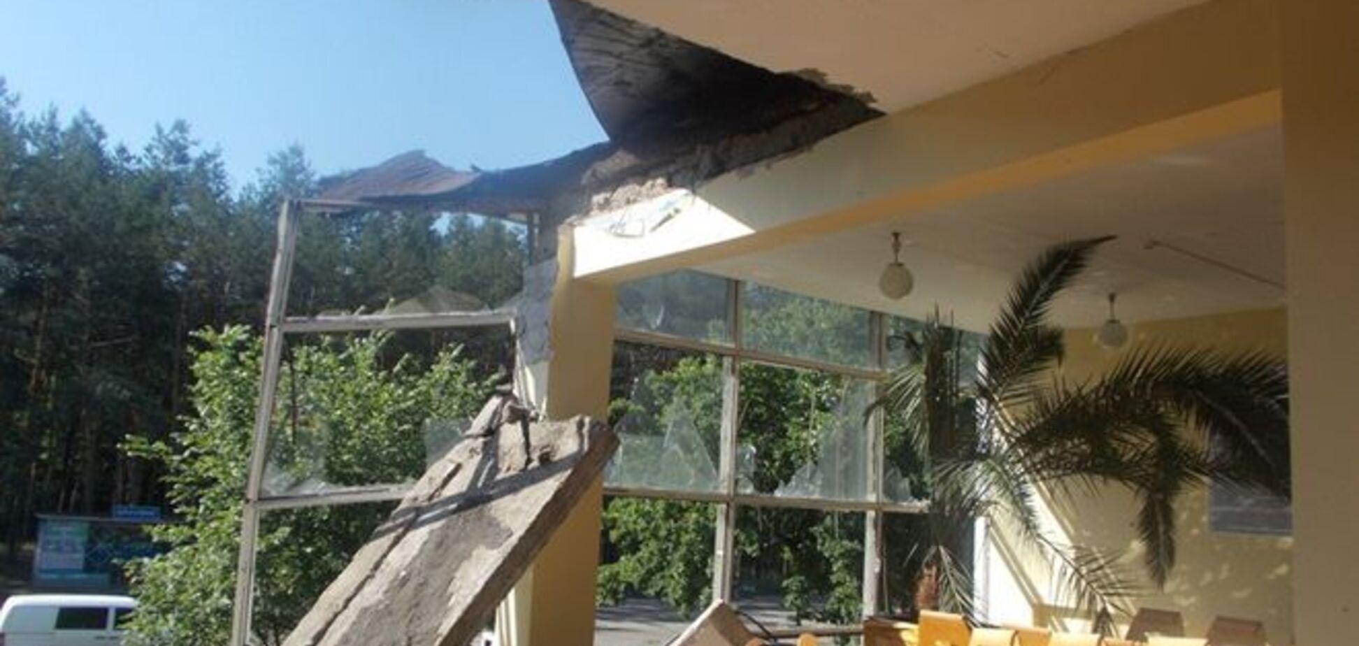 Террористы танками разрушили ж/д станции на Донбассе: опубликованы фото