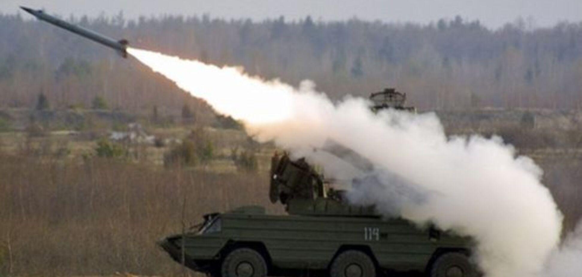 Романюк считает, что Путин зря 'красуется' своей армией