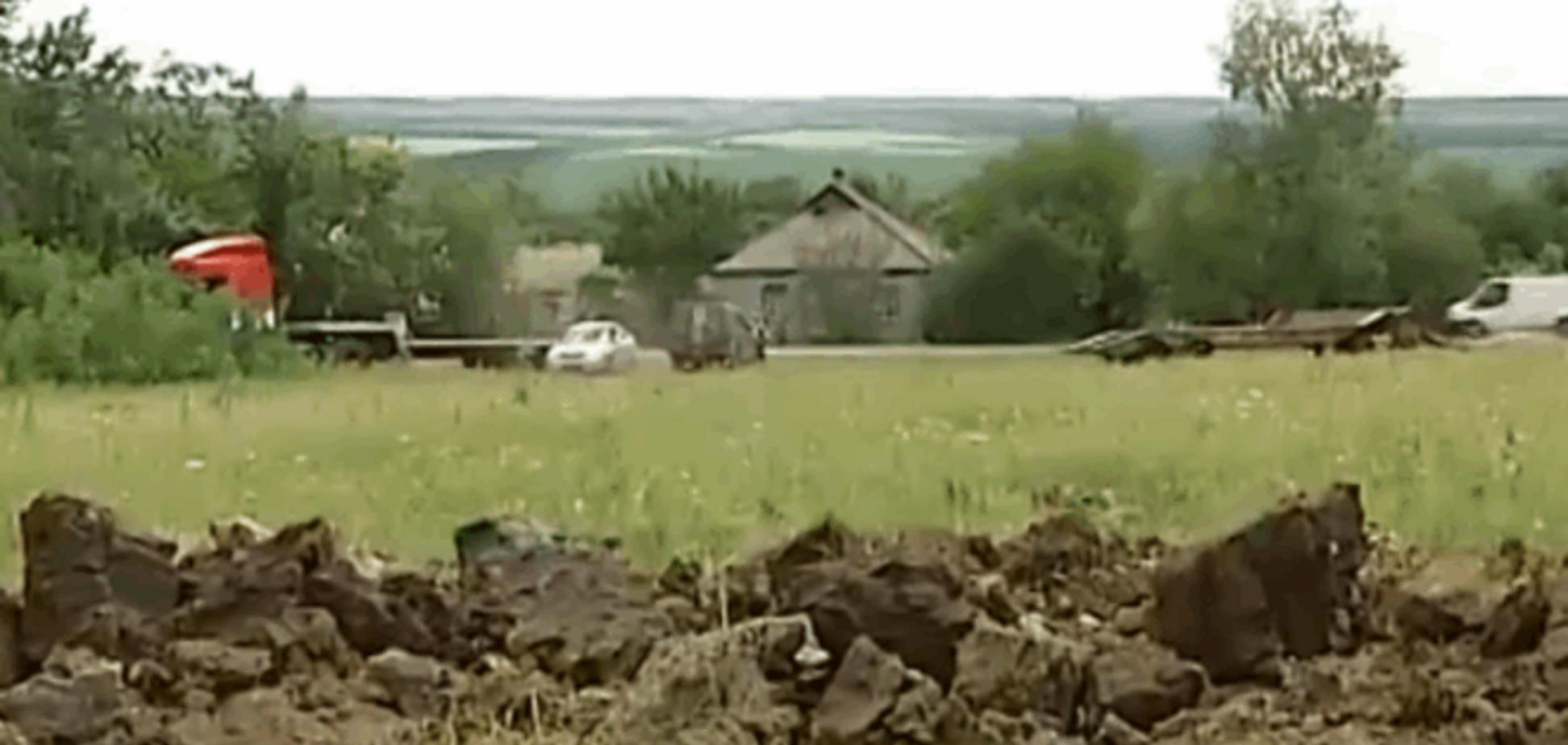 Террористы обстреляли из 'Градов' мирный город за 15 км от линии фронта: опубликовано видео