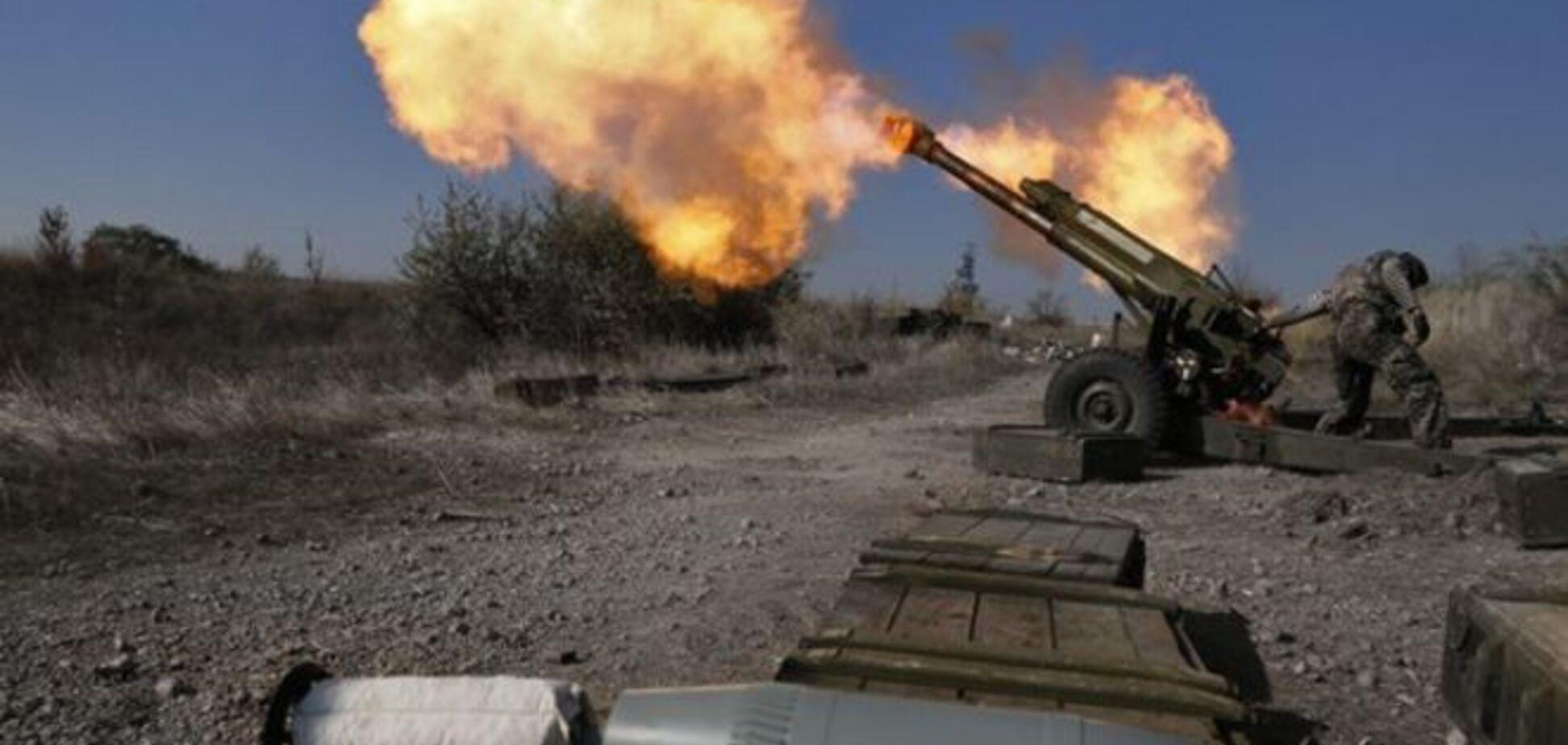 Широкино обстреляли из крупнокалиберной артиллерии