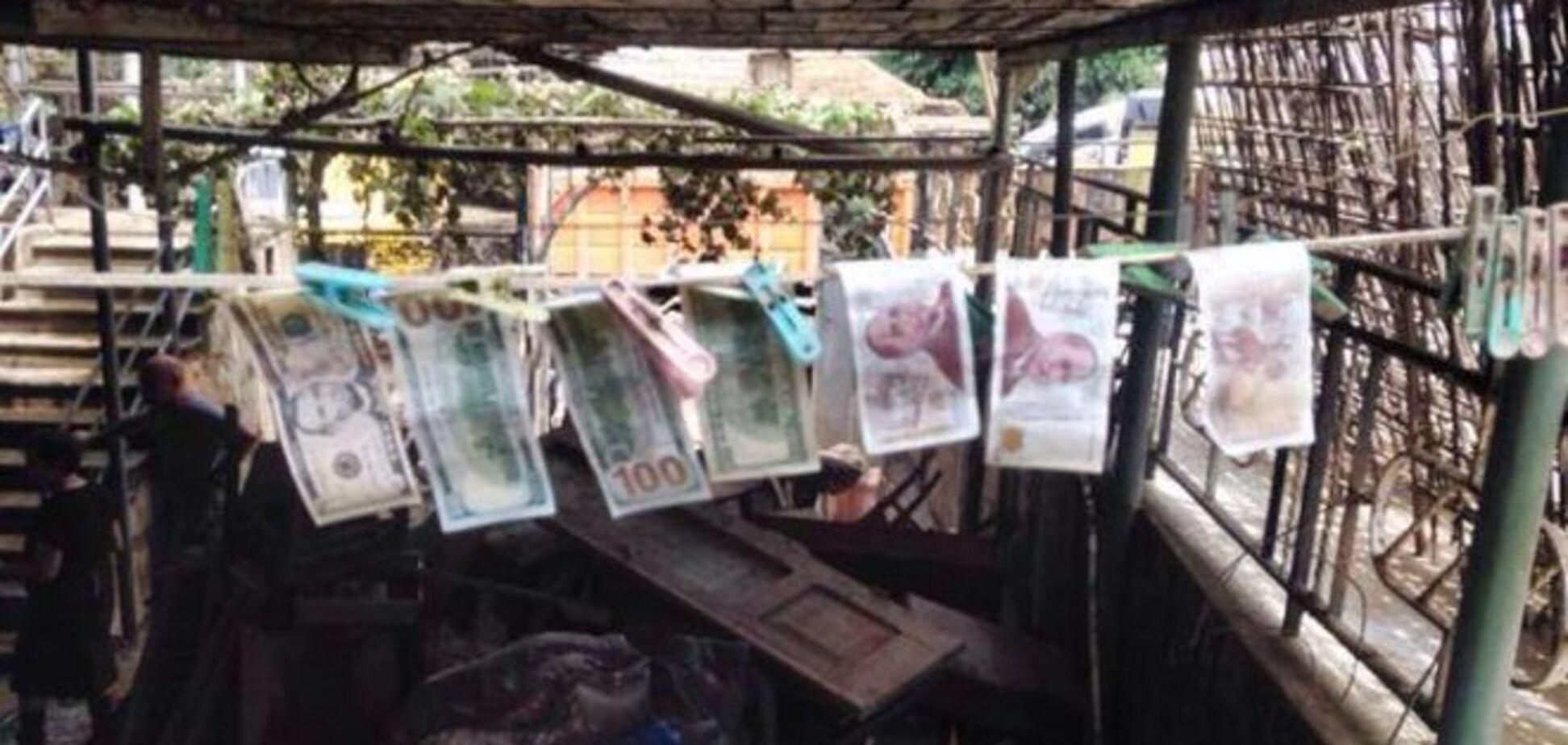 Повінь у Тбілісі. Власнику зруйнованого будинку повернули висушені гроші: фотофакт