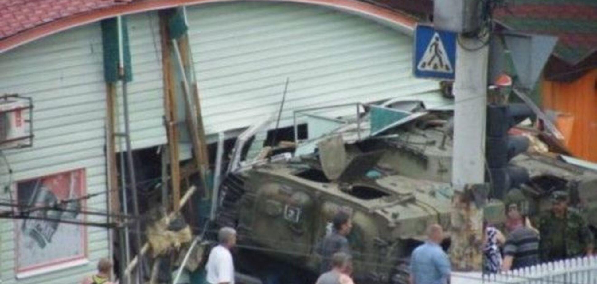 Ждем бунта? БМП террористов в Луганске задавил трех женщин