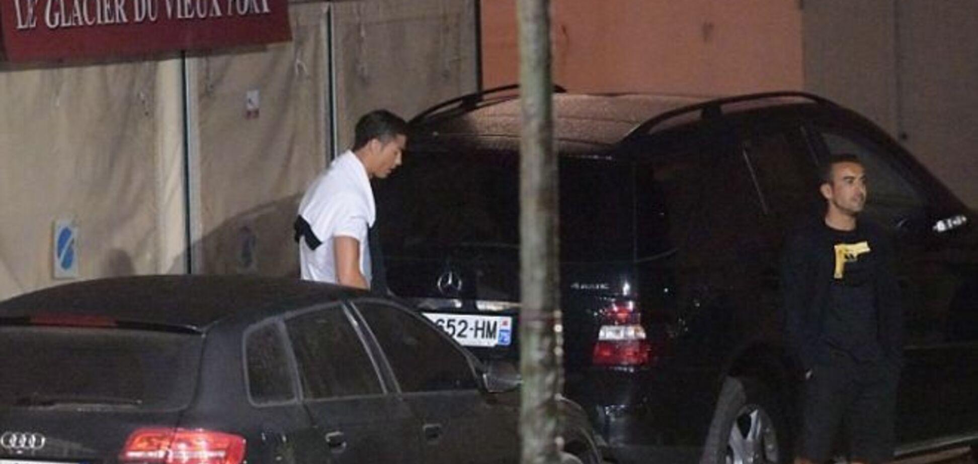 Полиция поймала Роналду, который мочился на чужое авто: фотофакт