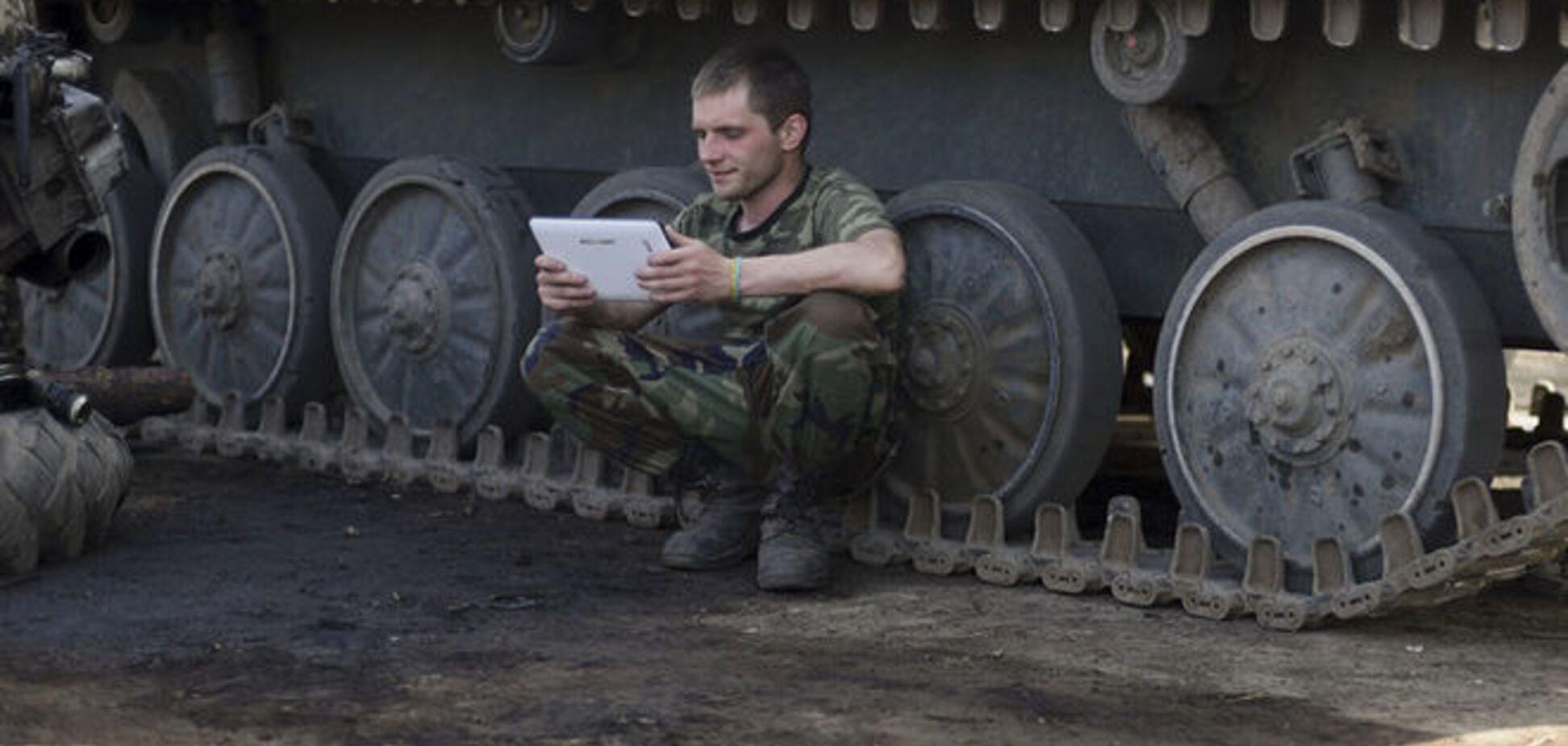 Молитвы и спортзал: бойцы АТО обустраивают быт под обстрелами террористов