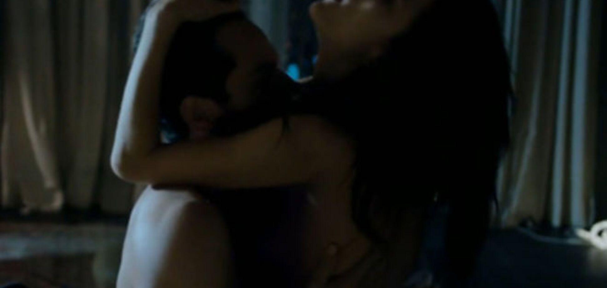 Супермодель Алессандра Амбросіо засвітилася у бразильському секс-відео