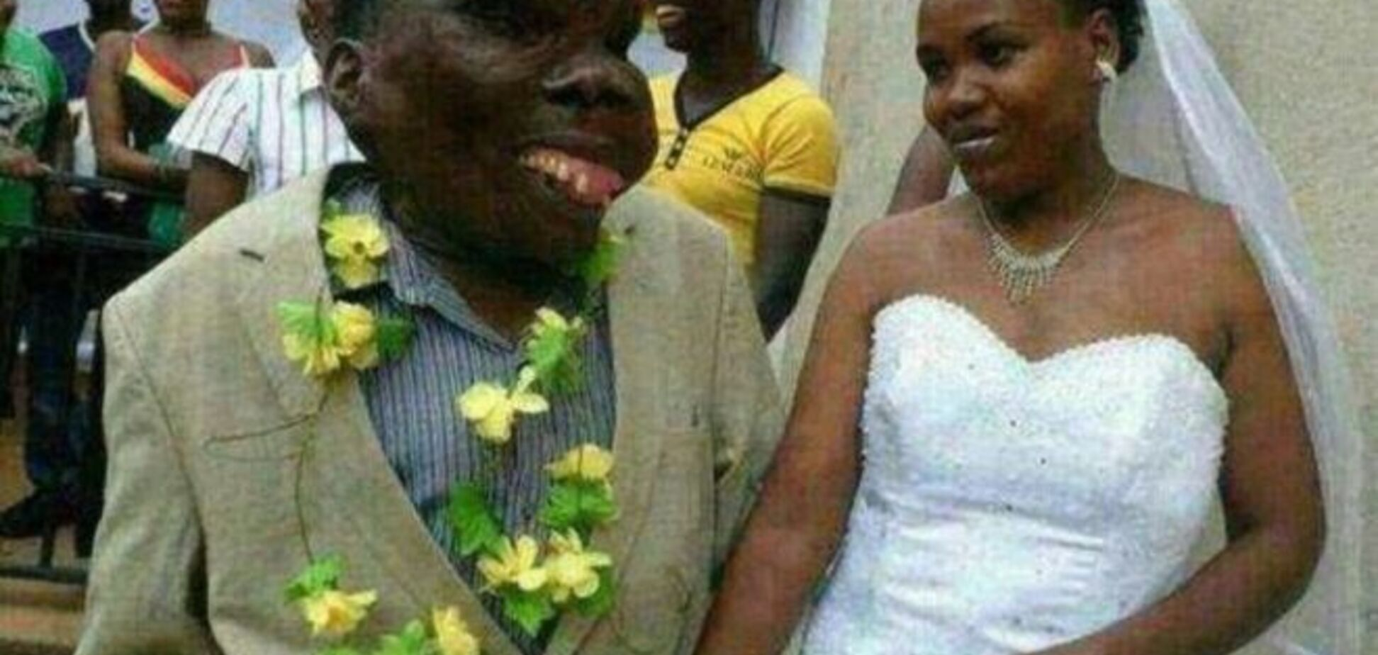 Прихоти любви: самый некрасивый мужчина Уганды стал отцом в 8-й раз