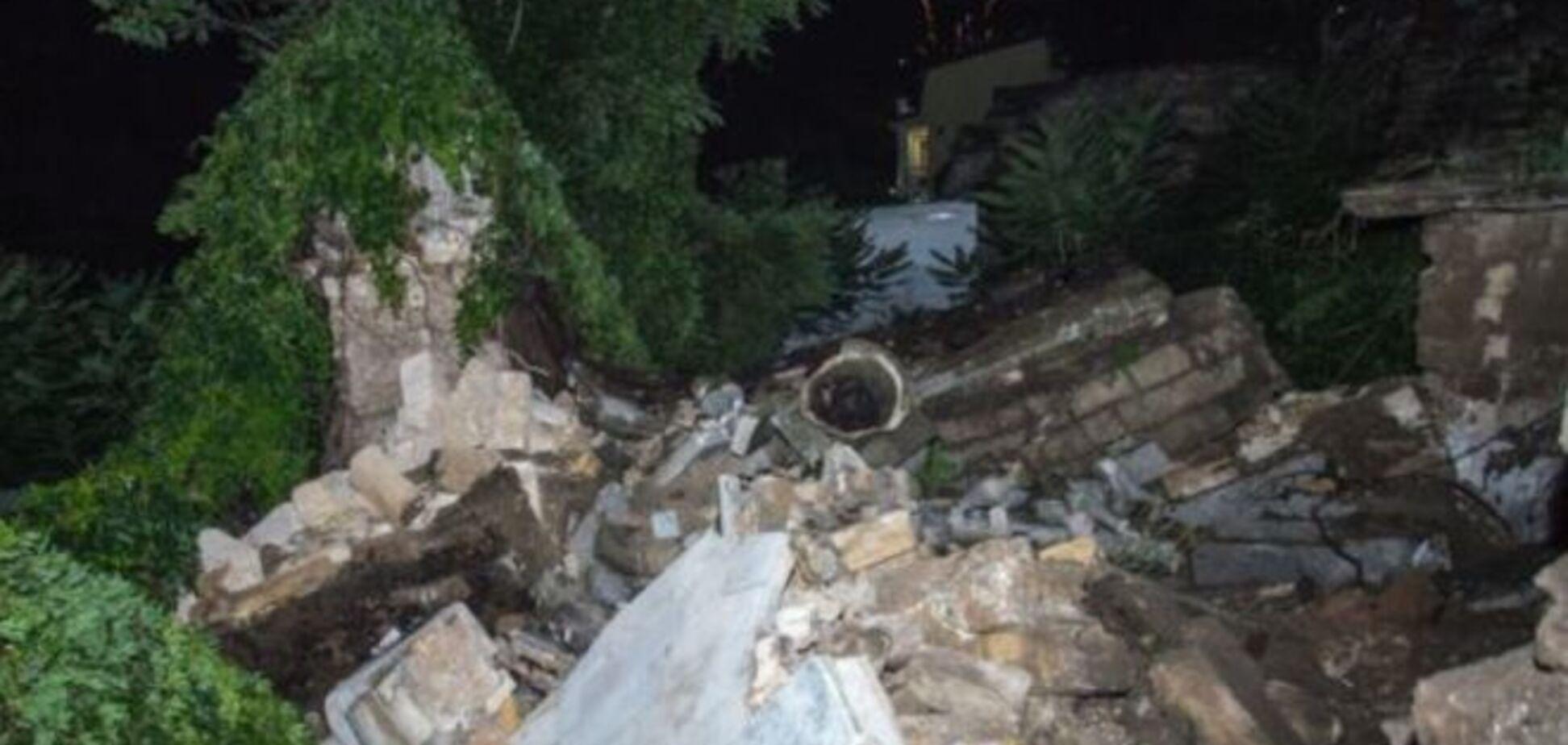У Керчі обвалилися знамениті Мітрідатські сходи: фото з місця НС