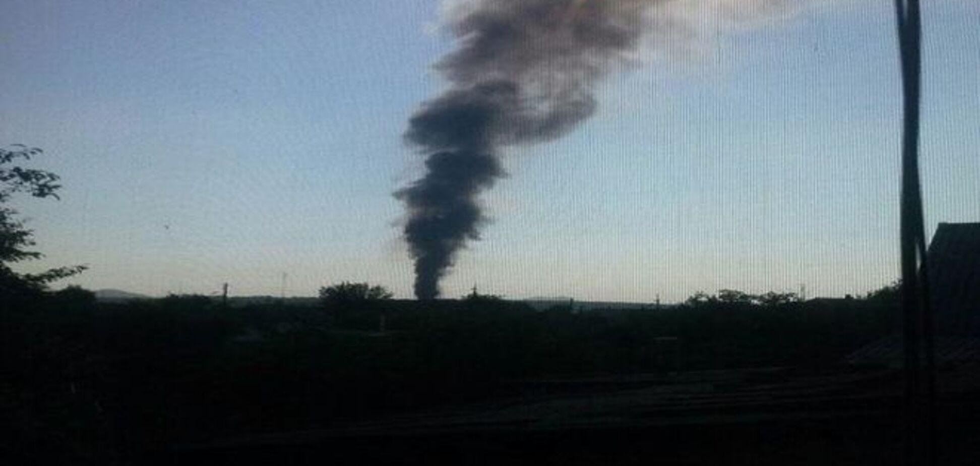 В Донецке после обстрела загорелся конно-спортивный центр бывшего нардепа: фотофакт