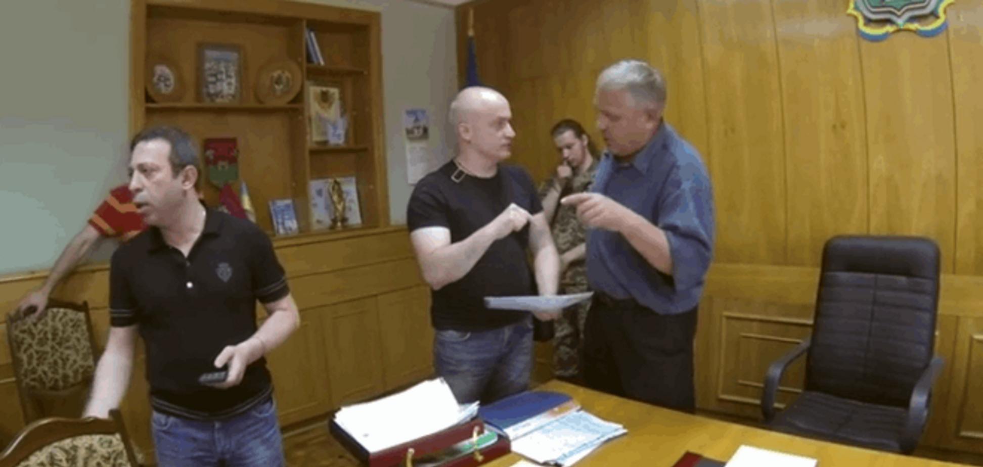 'Вас ошибочно назначили': Корбан показал видео люстрации главы Новомосковской РГА