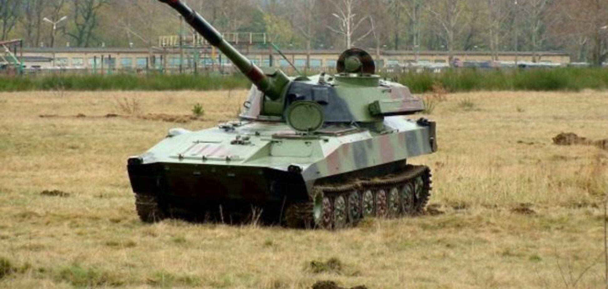 Терористи перекидають в Донецьк танки і САУ