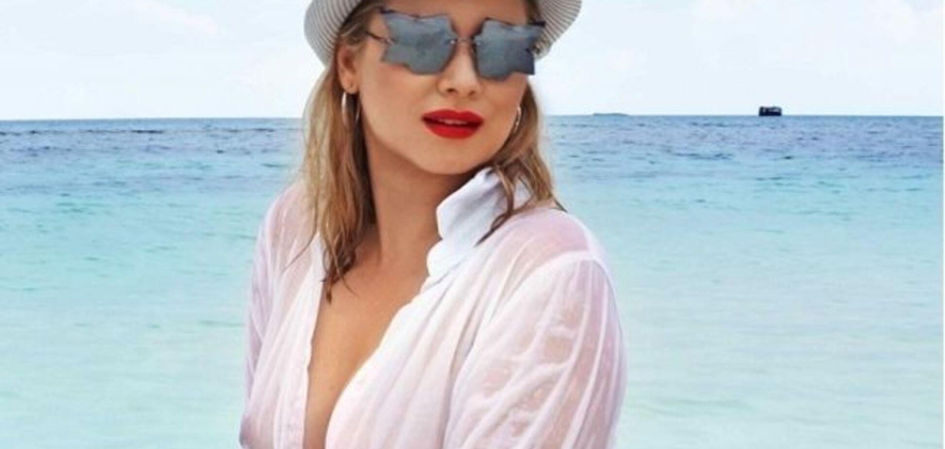Эпатажная Лена Ленина снова забыла надеть на пляж купальник