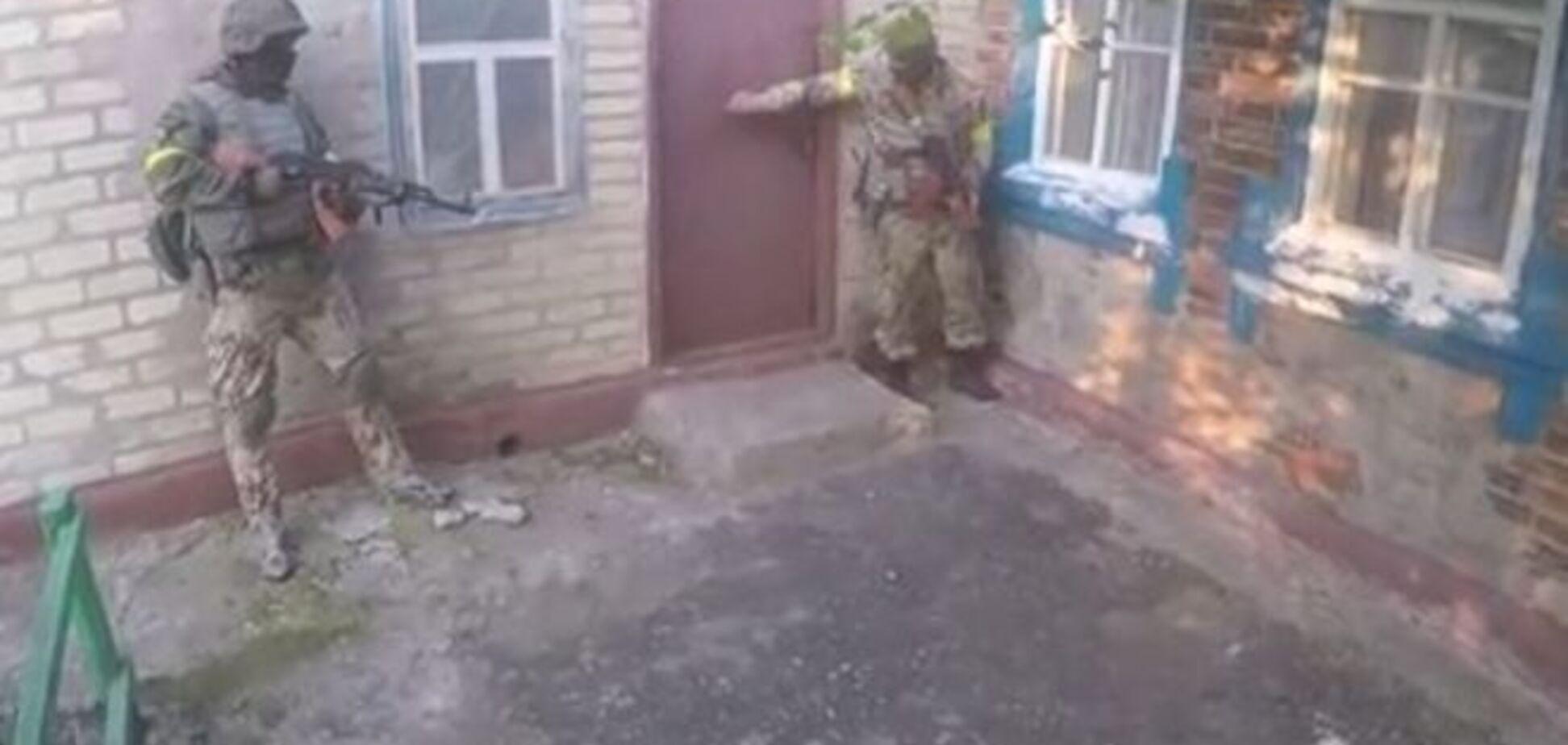 Появилось видео полной зачистки Марьинки от остатков российских террористов