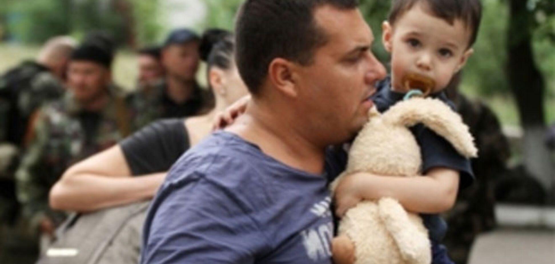 По 10 тысяч человек в неделю убегает из Украины в соседние страны - ООН