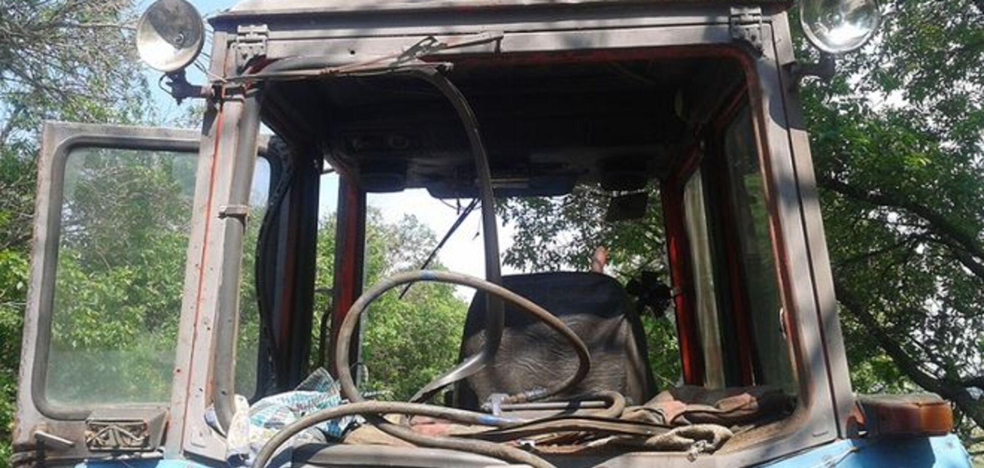 На Донбассе тракторист подорвался во время полевых работ. Фотофакт