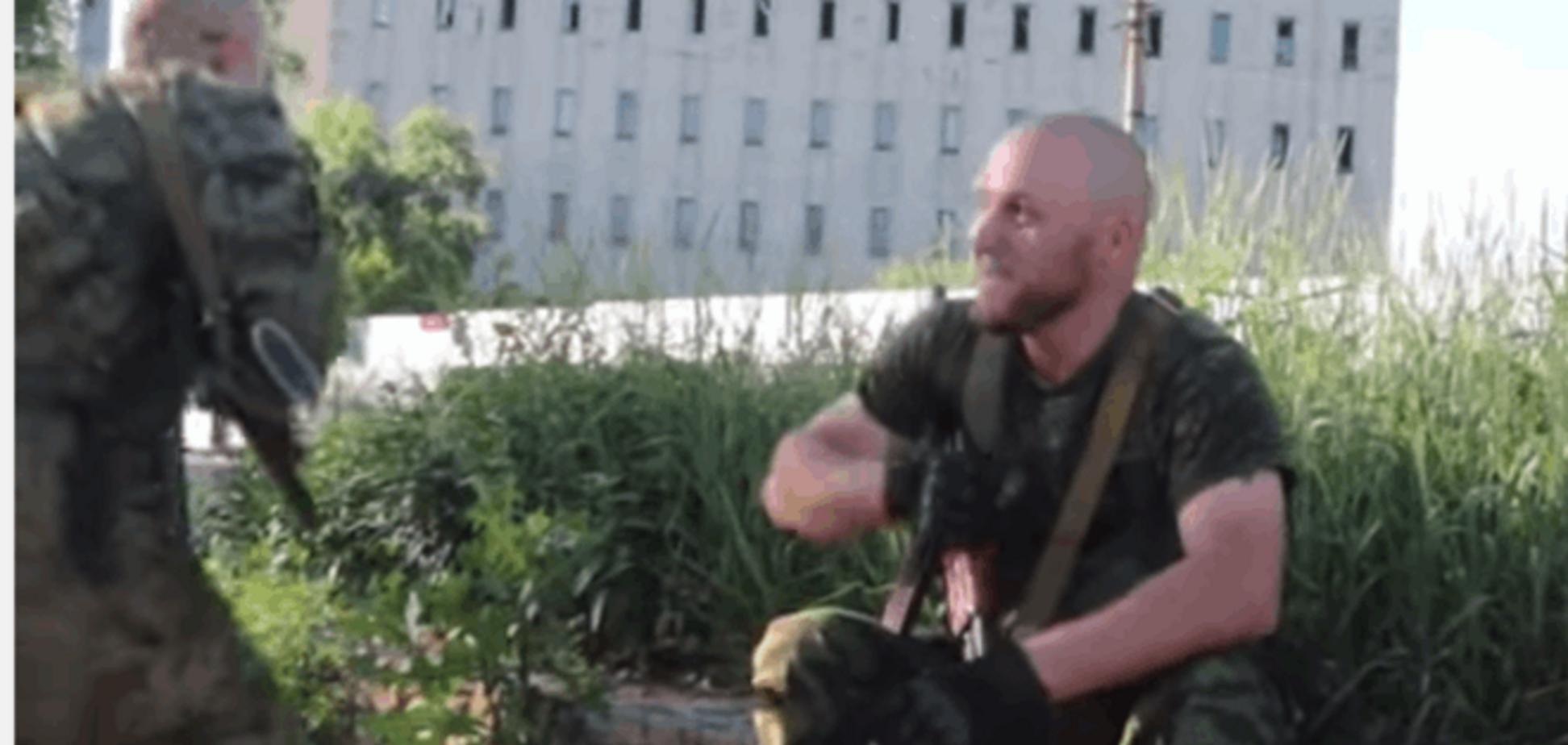 Еле сбежал! Пропагандист Грэм Филлипс попал под обстрел в Донецке: видеофакт