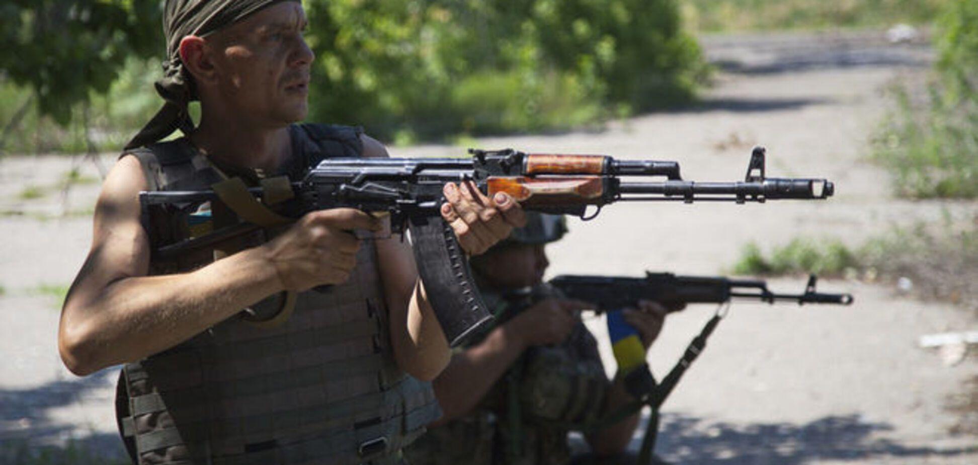 Генерал рассказал, сколько еще будут стрелять на Донбассе
