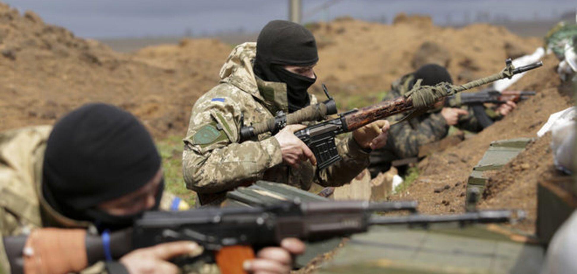 На Донбассе террористы спровоцировали открытие огня по всей линии фронта
