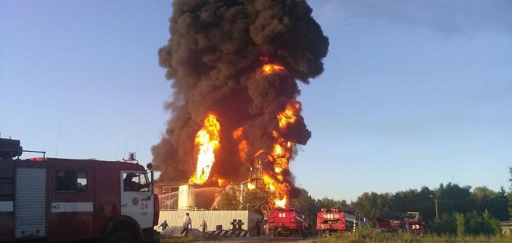Бутусов намекнул, что нефтебаза в Василькове взорвалась не случайно