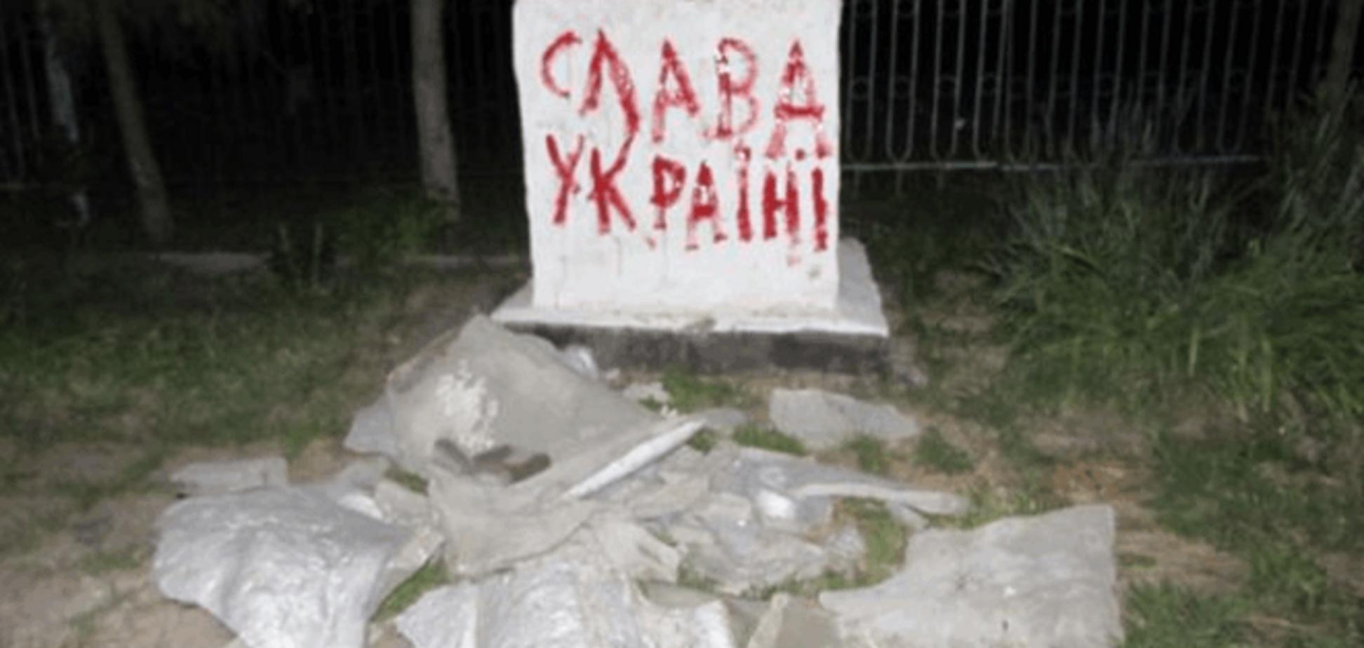 'Хотел убежать в Россию, но не успел': на Луганщине стало на три Ленина меньше