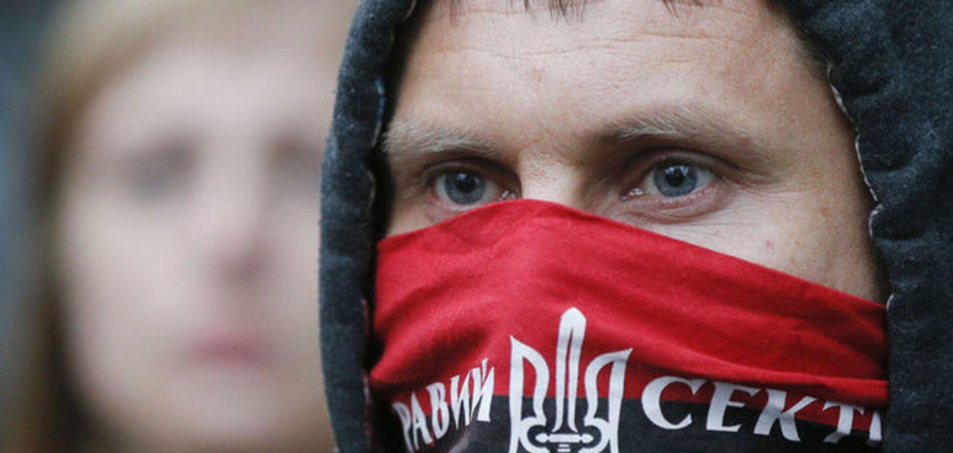 'Правый сектор' соорудил блокпост на выезде из Киева