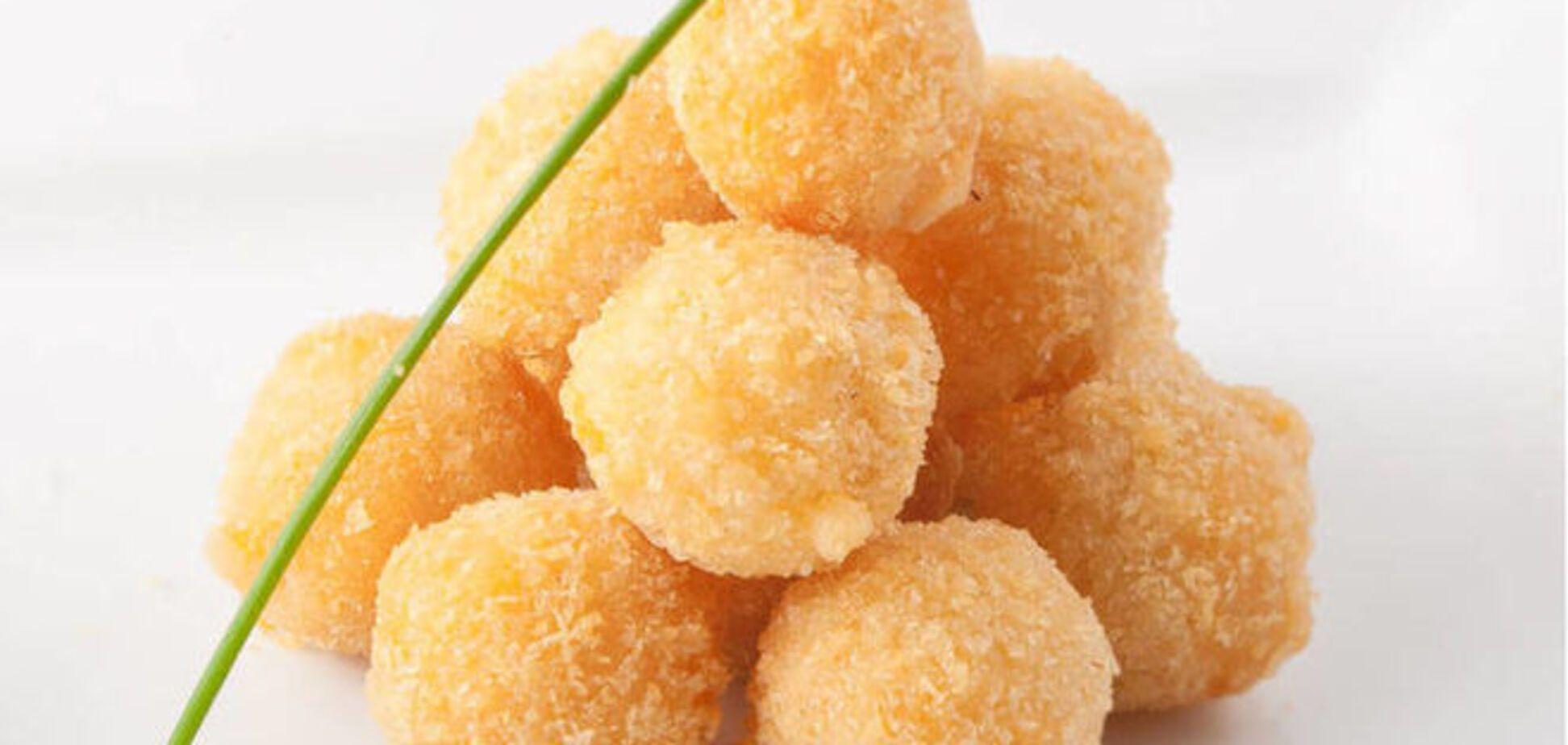 Жареные шарики из адыгейского сыра с имбирем и кокосом: потрясающий рецепт