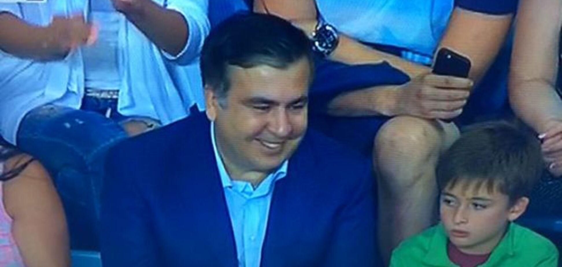 Саакашвілі відмовився від VIP-сектора на суперматчі 'Динамо' - 'Шахтар'