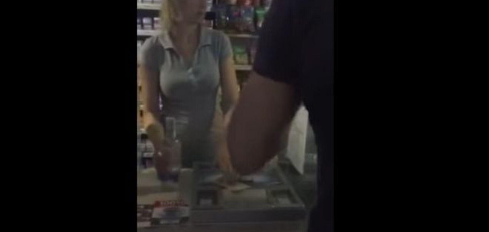 В Киеве глава РГА купил ночью в киосках запрещенный алкоголь: видеофакт