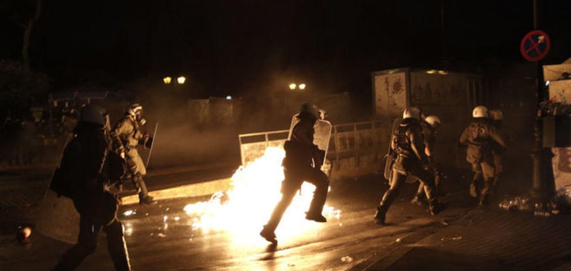 В Афінах протести обернулися масовими заворушеннями: фото- і Відеофакт
