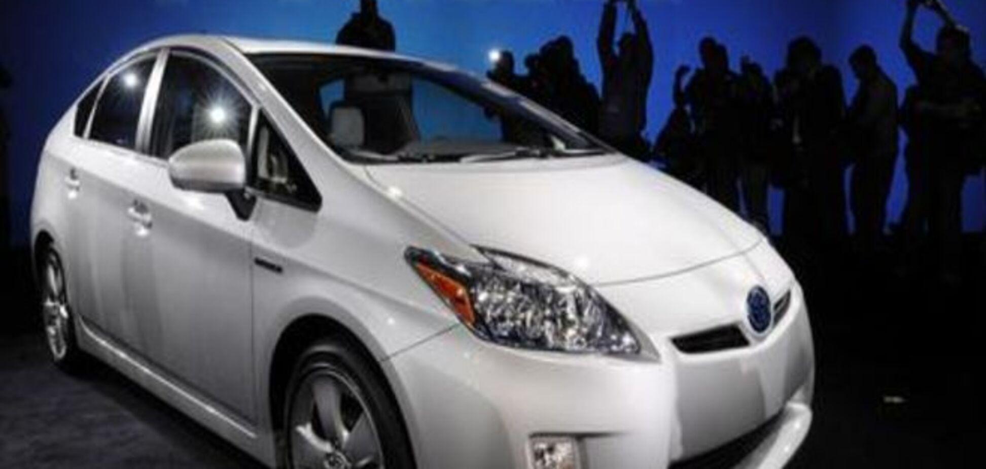 Toyota відкликає 600 тисяч гібридних автомобілів